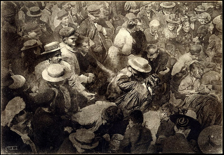 Robert Demachy (1859–1936) A Crowd, France, 1910. olajnyomat, Alfred Stieglitz Collection www.metmuseum.org.jpg
